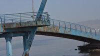 İzmir'de Barış Manço Köprüsü'nün bakımsız hali tepki çekiyor: Adına yakışır hale getirilmeli