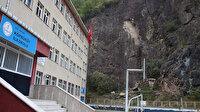Okul bahçesine yamaçtan kaya parçaları düşünce kapatıldı