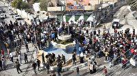 Macron Suriye'de protesto edildi: İslam barış dini, terörizme yer yok