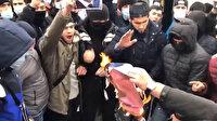 Rusya'daki Müslümanlar Fransa'yı protesto etti: Macron posterleri yakıldı