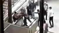 Küçükçekmece'de kadın güvenlik görevlisine küfreden şahsı tekme tokat dövdüler