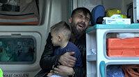 Kayseri'de altı kişinin yaralandığı kazada şoka giren adam kucağında çocuğu ile uzun süre ağladı