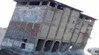 Yarım asırlık fabrika kolon çökertme yöntemiyle saniyeler içinde yerle bir oldu
