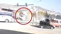 Elazığ'da hafif ticari araçla çarpışan ambulans takla attı: O anlar kamerada