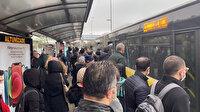 Metrobüste manzara yine aynı: Duraklar kalabalık, vatandaş ayakta yolculuk ediyor