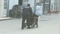 Namaz kılmak için evden çıktı, elektrikli sandalyesinin şarjı bitince imdadına polis yetişti