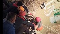 Adana'da kuyunun çökmesiyle toprak altında kalan iki kişiden biri kurtarıldı