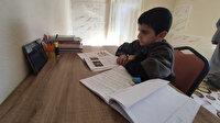 Bakan Selçuk'un minderde ders çalışırken fotoğrafını paylaştığı  Hasan Hüseyin'e belediyeden masa ve sandalye