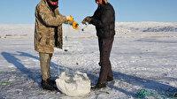 Çıldır Gölü'nde Eskimo usulü balık avı