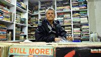 46 yıl boyunca sokaklardan topladığı kitaplarla dükkan açtı: Şimdi çocuklarının ekmek kapısı oldu