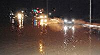 Meteoroloji uyarmıştı: Aniden bastırdı İstanbul-Çanakkale yolu trafiğe kapandı
