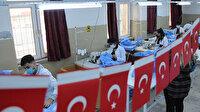 Diyarbakırlı liselilerden yoğun mesai: İtalya'ya sağlıkçılar için 1,5 milyon koruyucu kıyafet yapıyorlar