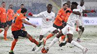 İstanbul'da kazanan çıkmadı: Kar yağışı maça damga vurdu