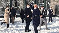 Gençlerin isteğini kırmayan Ümraniye Belediye Başkanı kartopu savaşı yaptı