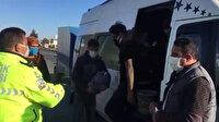 Adana'da 15 kişilik minibüsten 34 kişi çıktı