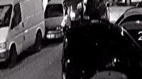 Zeytinburnu'nda 30 saniyede araba hırsızlığı kamerada