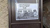 """Ermenistan sokaklarında """"Türk Paşinyan'a engel olun"""" afişleri"""