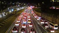 Kısıtlama sonrası 15 Temmuz Şehitler Köprüsü'nde yoğun trafik