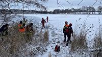 Polonya'da avcılardan kaçan geyik sürüsü göle düştü: 13 geyik donarak can verdi
