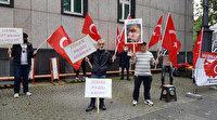 Almanya'da Türk bayrağı hazımsızlığı: Protestoya katıldı ceza yedi