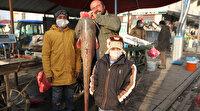 Murat Nehrinde bir buçuk metre boyunda balık avladı: Kilosunu 25 liradan satacak