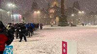 İskoçya'da evsizler dondurucu soğukta yemek sırası bekledi