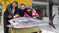Amatör balıkçı oltayla 173 santim boyunda orkinos yakaladı