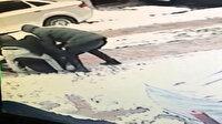 Sultangazi'de gasp dehşeti kamerada: Para istedikleri genci bıçakladılar
