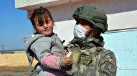 Mehmetçik'ten Resulayn'a şefkat eli: Çocukların yüzlerini güldürdüler