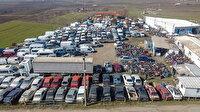 Parkta çürüyen araçlardan yer kalmadı: Ekonomiye kazandırılmak için bekliyor