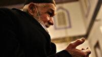 Elazığ'da duygu yüklü anlar: 65 yaşa yasak kalktı vatandaş gözyaşları içinde camiye koştu