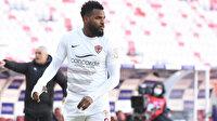 Süper Lig'in golcüsü Aaron Boupendza Sivasspor maçına alçıyla çıktı