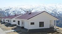 Mezrada yaşayan depremzedelere villa konforunda köy evi