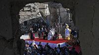 Irak'ı ziyaret eden Papa Musul'da DEAŞ'ın yıktığı kilisede ayin düzenledi