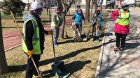 Sincan Belediyesi'nin kadın çalışanları Sincan'da sokaklara parklara kadın eli değdi