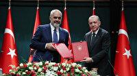 Arnavutluk'taki okullarda Türkçe seçmeli ders olarak okutulacak