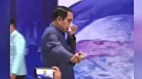 Yaptığı hareket herkesi şaşırttı: Tayland Başbakanı muhabirlere dezenfektan sıktı