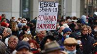 Almanlar 'Artık yeter' diyerek sokağa döküldü: Merkel yerine özgürlük istiyoruz