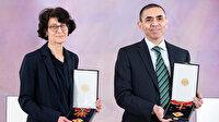 Kovid-19 aşısını bulan Türk bilim insanları Türeci ve Şahin'e Almanya'dan devlet nişanı