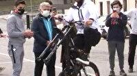 Kenan Sofuoğlu'ndan bisikletle tek teker şovu