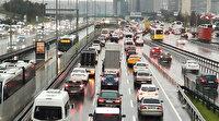 İstanbul'da etkili olan yağış sonrası trafik yoğunluğu yüzde 76'ya ulaştı