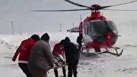 Ağrı'da yolu karla kapanan köyde yaşayan hamile kadın için ambulans helikopter gönderildi