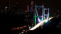 İstanbul'un köprüleri 'Pakistan Milli Günü' için yeşil ve beyaz renklerle aydınlatıldı