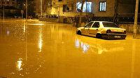 Bingöl'de şiddetli yağış hayatı felç etti: Yollar göle döndü evleri su bastı