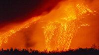 Etna Yanardağı yeniden alev püskürttü