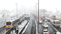 Kar yağışı bastırdı İstanbul'da trafik  durma noktasına geldi