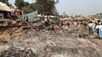 Yangında barınakları kül olan Arakanlı Müslüman mültecilere Türkiye'den yardım eli uzanıyor