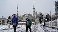 Sultanahmet Meydanı'ndan kar manzaraları