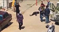 Eski erkek arkadaşı, Necla Demirbaş'ı kalbinden vurarak öldürdü: Vatandaşlar, küçük kız olay yerinden böyle uzaklaştırıldı