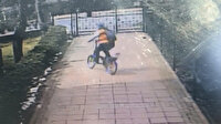 Beylikdüzü'nde apartmandan çaldığı bisikleti sürerek gitti